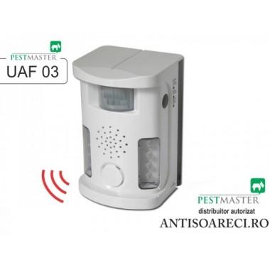 Aparat cu ultrasunete anti pasari, anti caini si pisici, anti animale - Pestmaster UAF03
